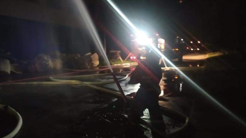 Пожар на складе лакокрасочной продукции в Новосибирске потушен