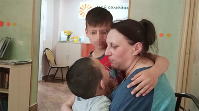 «Будто взяли в заложники»: многодетную мать заставили отдать детей в социальный центр из-за беспорядка в квартире