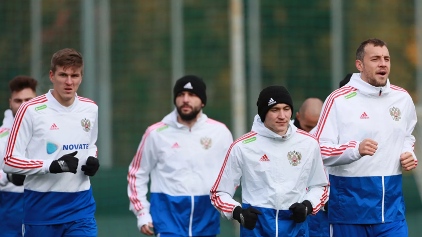 Оздоев: сборной России нужно играть легко в матче с Сербией