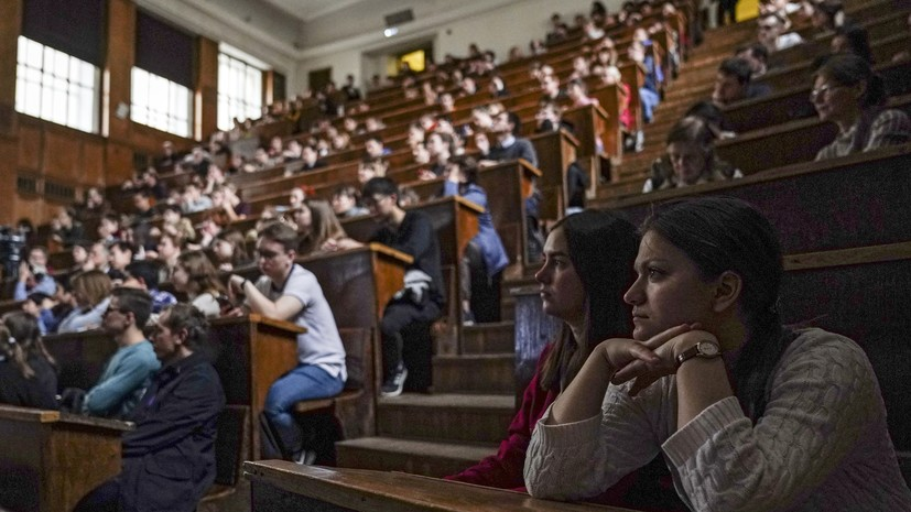 В Минобрнауки рассказали о начале учебного года в вузах
