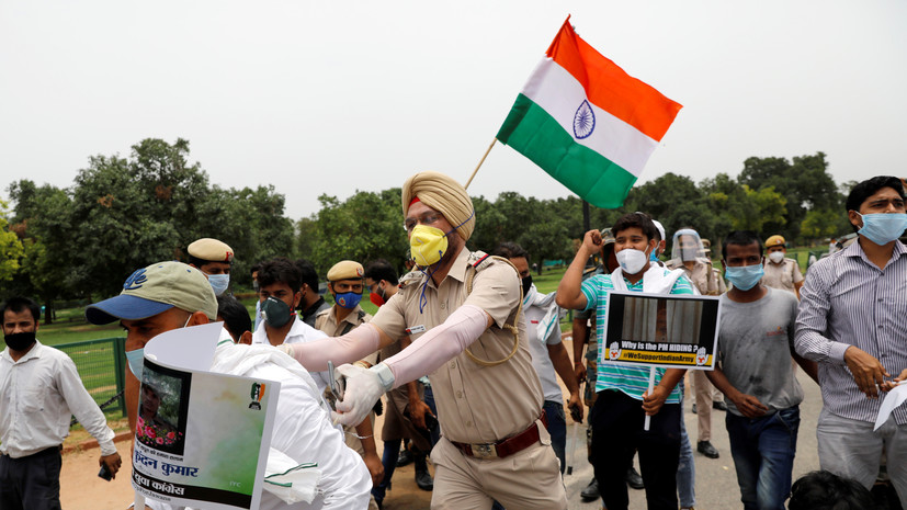 Главы МИД Индии и Китая договорились избегать эскалации на границе