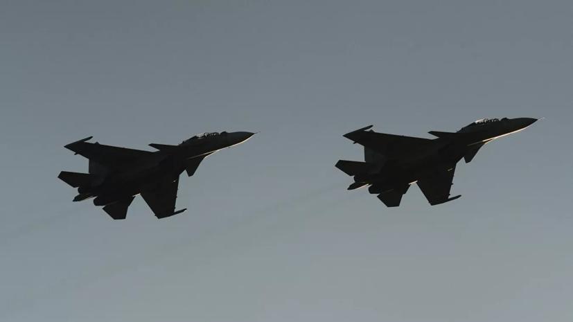 Российские истребители заставили сесть на учениях «угнанный» самолёт