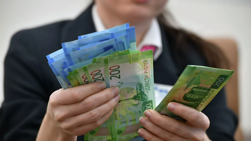 Кабмин выделил ещё почти 1,9 млрд рублей на выплаты соцработникам