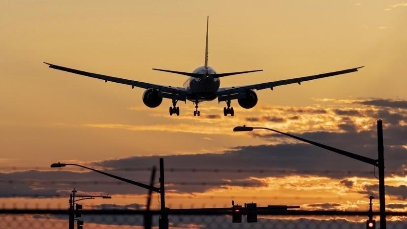 Вылетевший в Москву самолёт вернулся в Екатеринбург из-за неисправности