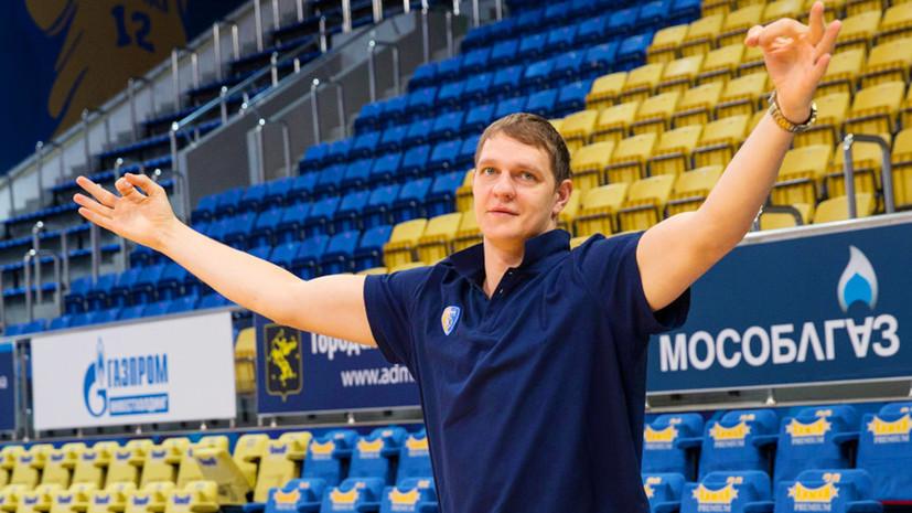 Баскетболисту Мозгову потребуется ещё от четырёх до шести месяцев на восстановление