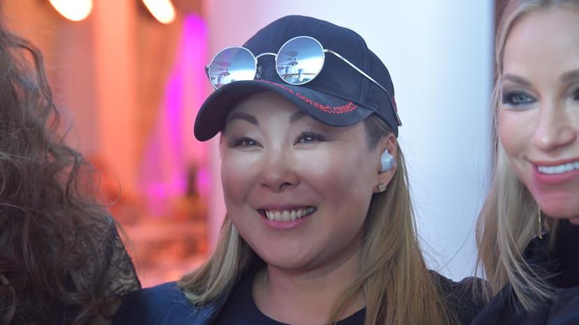 Анита Цой объяснила своё участие в записи песни «Любимую не отдают»