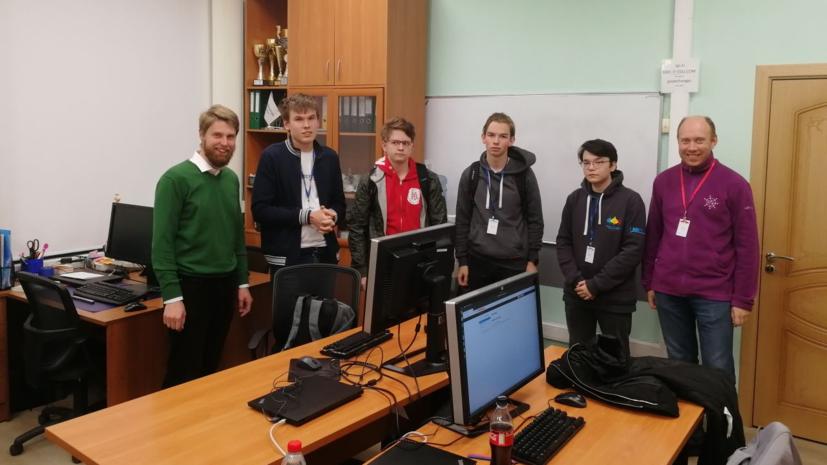 Российские школьники завоевали медали на Международной олимпиаде по информатике