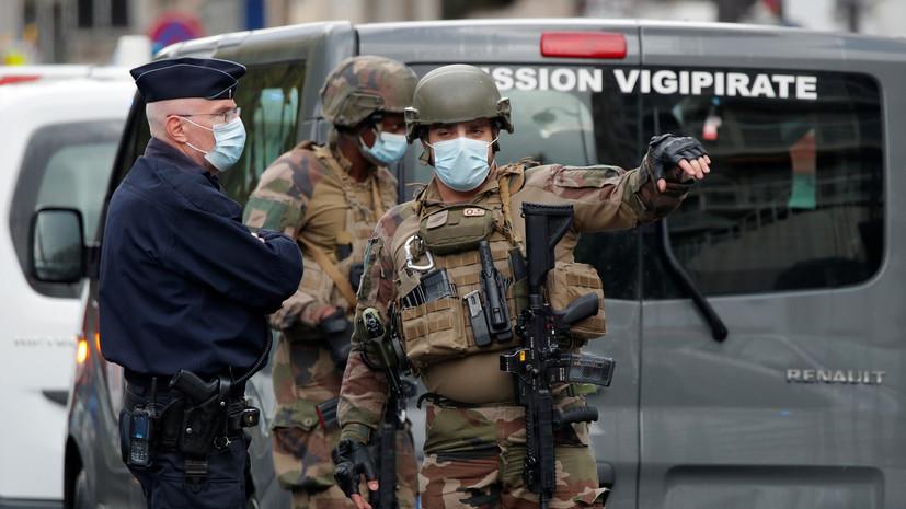 Подозреваемый в нападении у бывшего здания Charlie Hebdo задержан