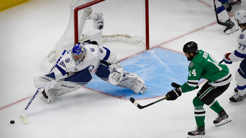 Василевский установил рекорд «Тампы» по победам в плей-офф НХЛ