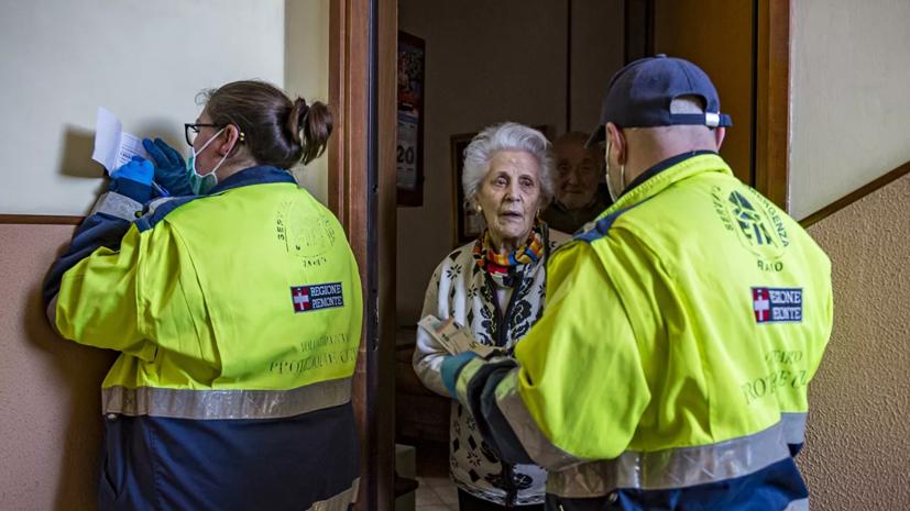 Власти Москвы продолжат убеждать лиц из групп риска оставаться дома