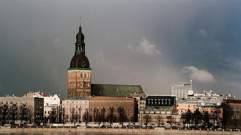 Правозащитник сообщил о высылке в Россию главы латвийского общества военных ветеранов