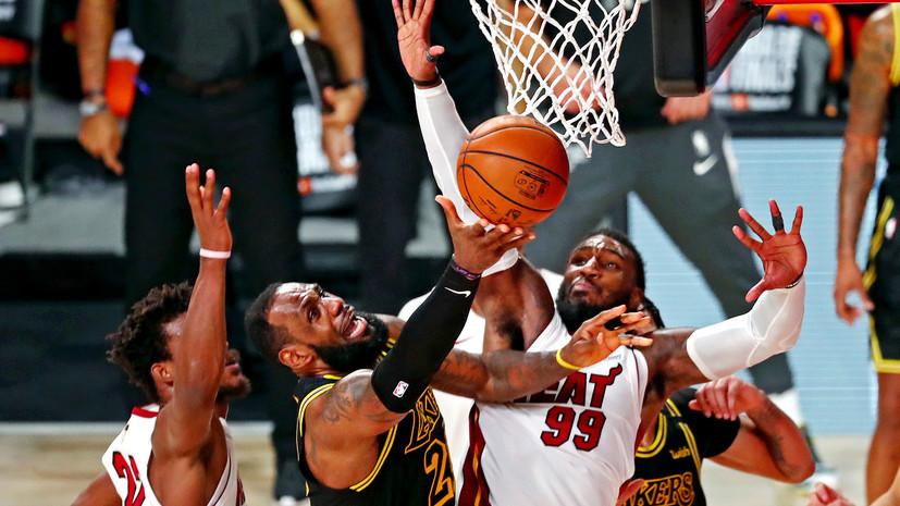 «Майами» сократил отставание в финальной серии НБА с «Лейкерс», Батлер оформил трипл-дабл