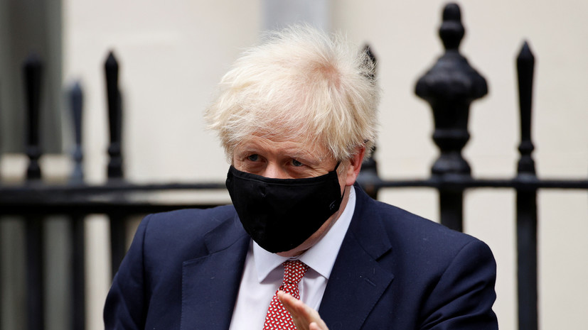 Джонсон объявил об ужесточении мер борьбы с COVID-19 в Британии