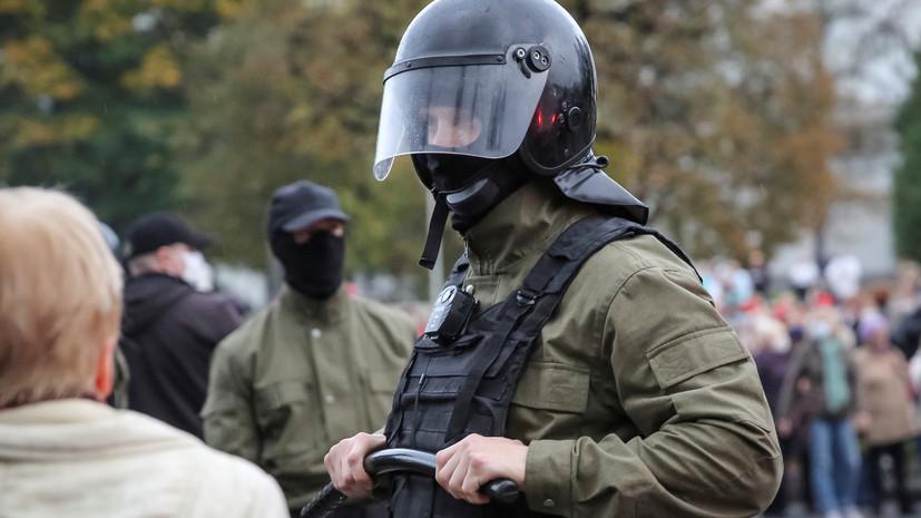 Неизвестные бросили «коктейли Молотова» на территорию РУВД в Минске