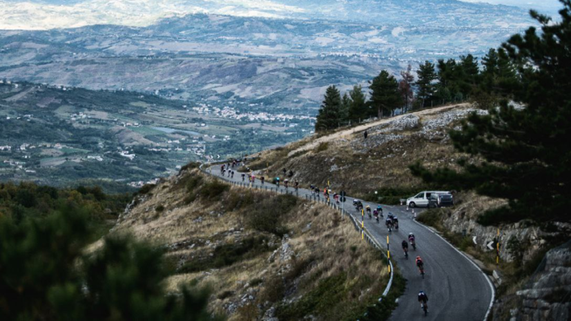 Двое велогонщиков на «Джиро д'Италия» сдали положительные тесты на коронавирус