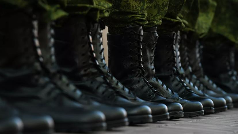 В Ленобласти механики-водители армии ЗВО прошли марш с препятствиями