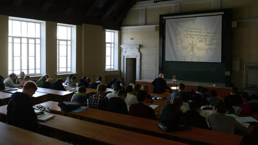 В Минобрнауки заявили, что планов расселять студентов из общежитий нет