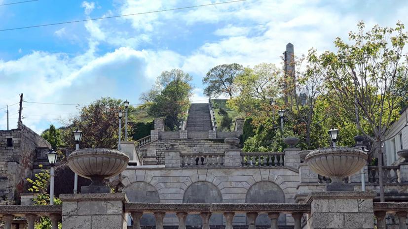 В Керчи рассказали о ходе реконструкции Митридатских лестниц