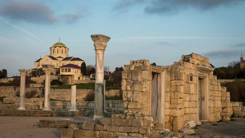 Крым и Калининградская область создадут программу экскурсионного обмена школьниками
