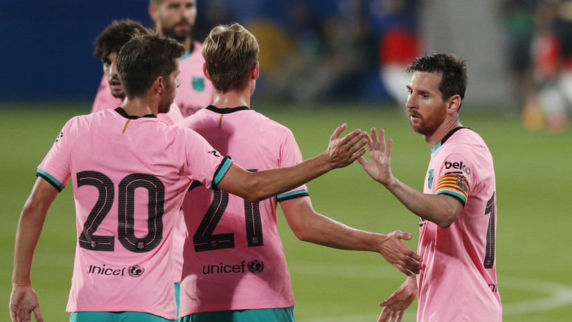 Де Йонг: «Барселона» должна подстраиваться под Месси, он лучший футболист в мире