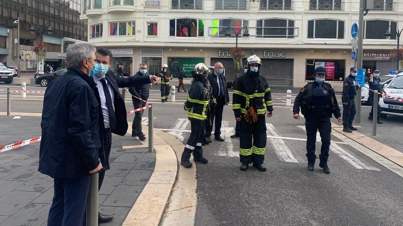 Мэр Ниццы подтвердил гибель трёх человек в результате нападения
