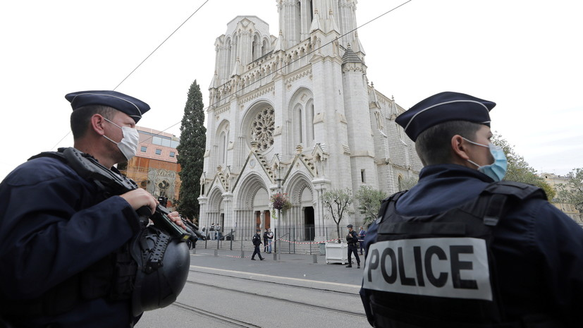 Британия предложила Франции помощь в расследовании нападения в Ницце