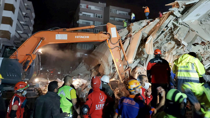 «Используем все возможности для спасательных операций»: что известно о последствиях землетрясения в Турции