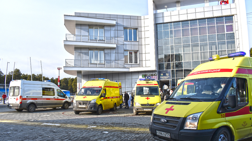После пожара в Челябинске 13 пациентов больницы доставили в реанимацию