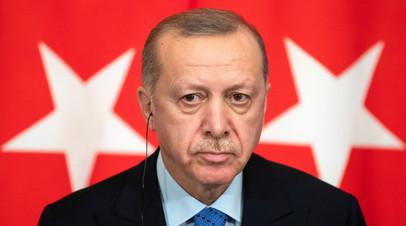 Эрдоган счёл недопустимым призыв Минской группы к перемирию в Карабахе