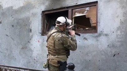 «С места боестолкновения изъяты оружие, средства связи, боеприпасы»: в  Грозном нейтрализовали четырёх боевиков
