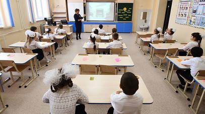 «Появляется возможность минимизировать контакты»: старшеклассников в Москве переведут на дистанционное обучение