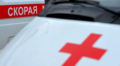 В Петербурге четверо детей пострадали в перевернувшемся микроавтобусе