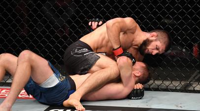 «Это был мой последний бой»: Нурмагомедов одержал победу над Гэтжи на UFC 254