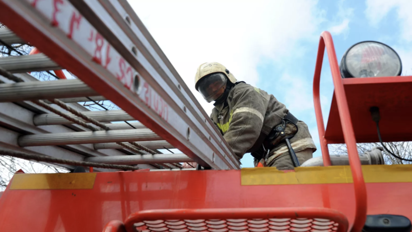 В Екатеринбурге произошёл пожар на складе