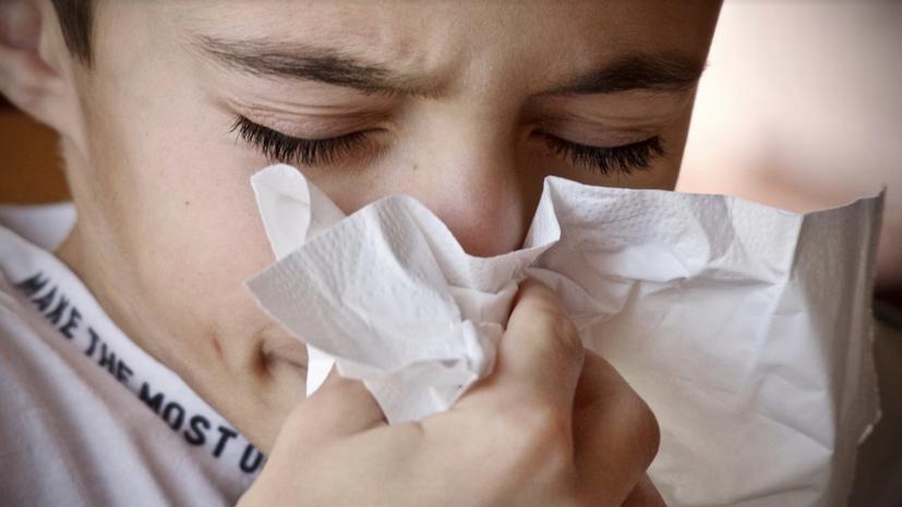 В Роспотребнадзоре дали рекомендации на случай контакта с чихающим