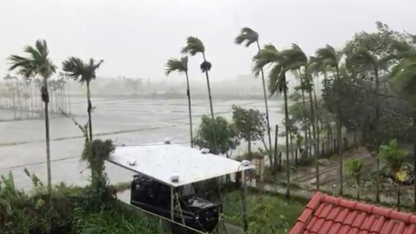 Два новых тропических шторма приближаются к Вьетнаму