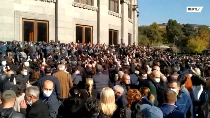 Более 100 человек задержаны в ходе акции протеста оппозиции в Ереване — видео