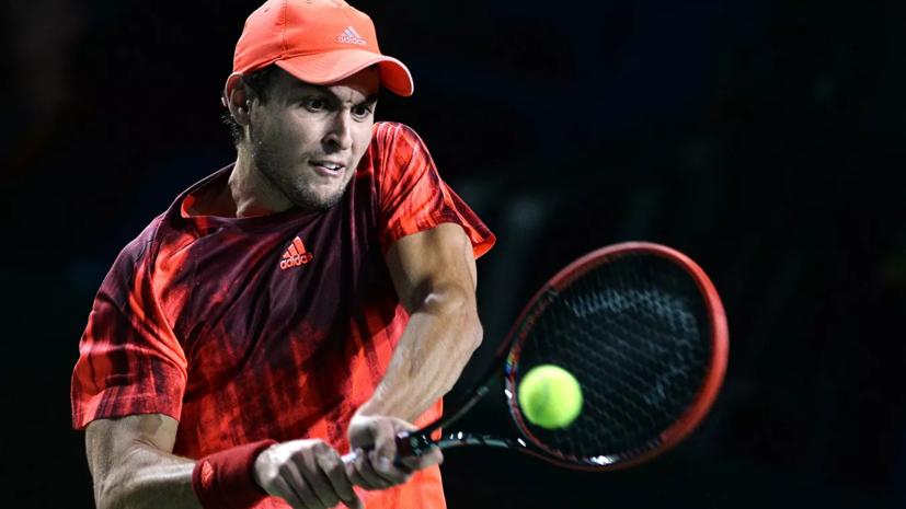 Карацев проиграл де Минору во втором круге турнира ATP в Софии