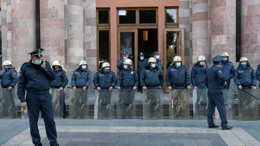Оппозиция в Армении объявила о парламентском кризисе