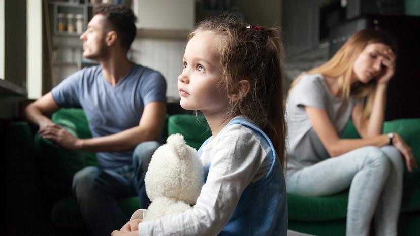 «Не надо отбирать детей у нормальных людей, надо помогать»: московский детский омбудсмен — об органах опеки и семьях