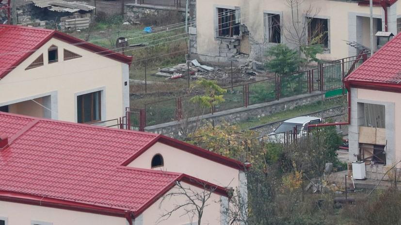 Жители переходящих Азербайджану районов Карабаха сжигают свои дома