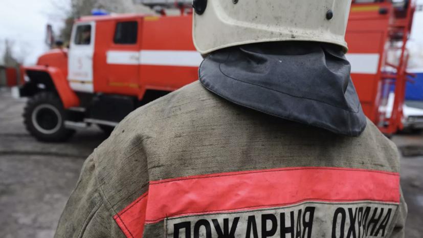 В Петербурге повышен ранг сложности пожара в производственном здании