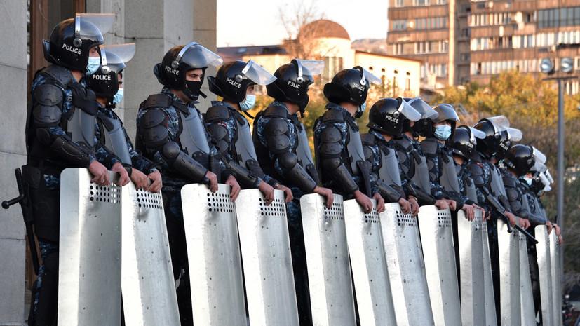 Президент Армении уволил командующего войсками полиции
