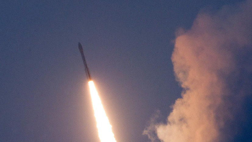 Ракета Vega с двумя спутниками отклонилась от траектории полёта