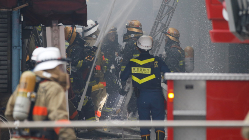 В Токио загорелся строящийся небоскрёб