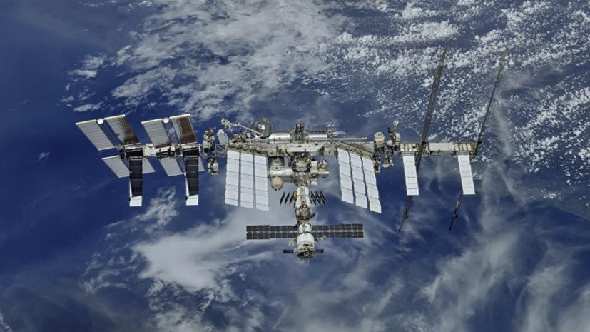 Космонавты не смогли заменить элемент терморегулирования на «Заре»