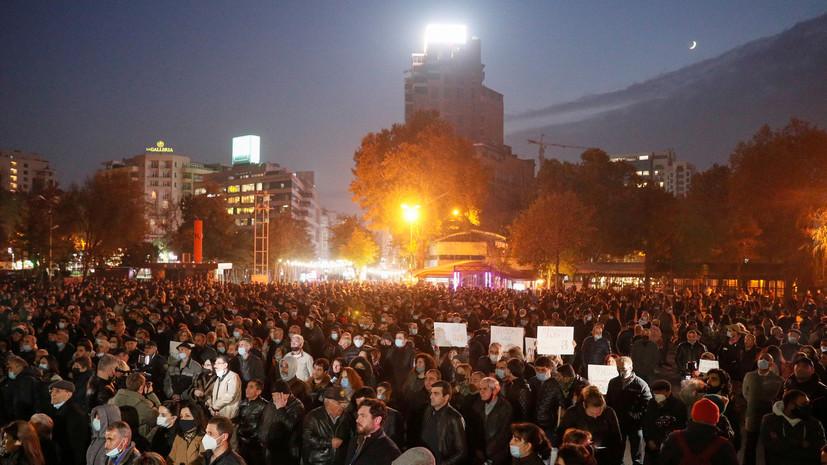В Ереване начали задерживать протестующих