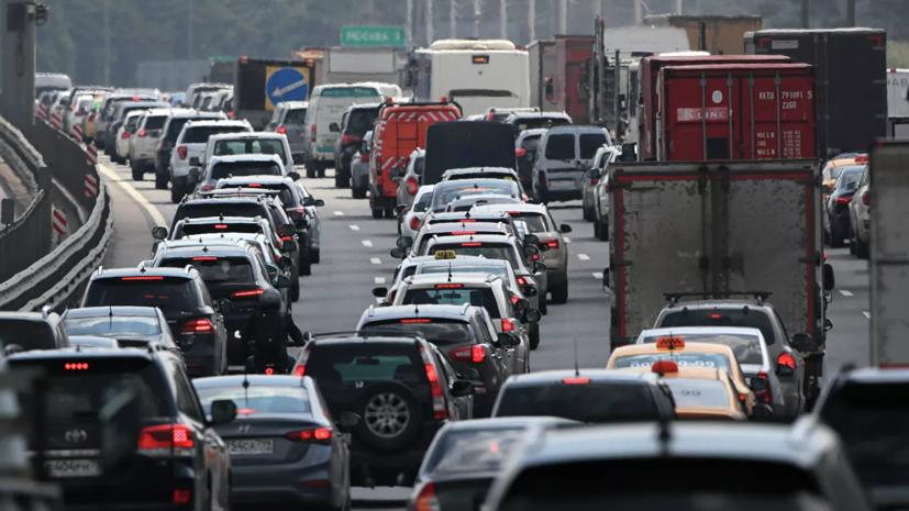 Автоэксперт рассказал о правилах безопасности в зимнее время