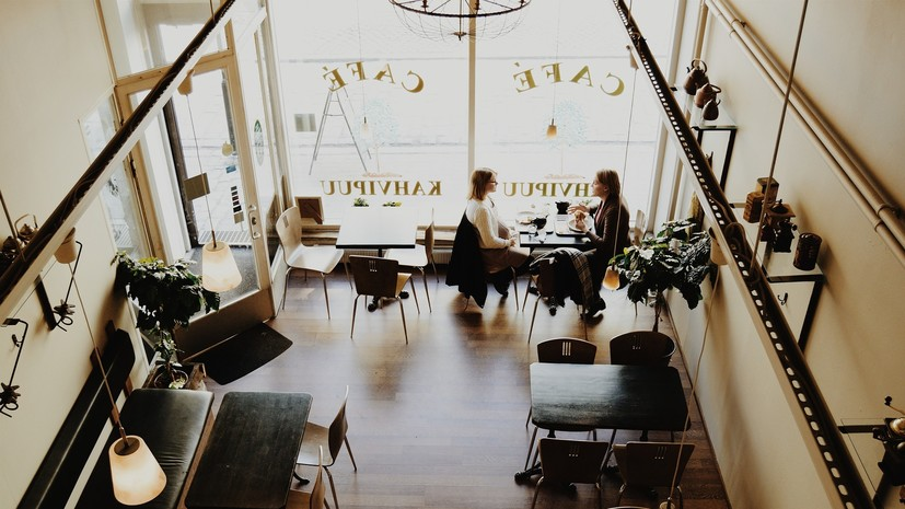 В Сербии ввели ограничения на работу кафе и торговых точек