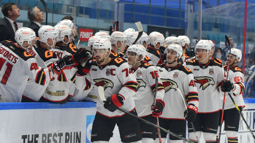 «Авангард» взял верх над «Ак Барсом» в матче КХЛ